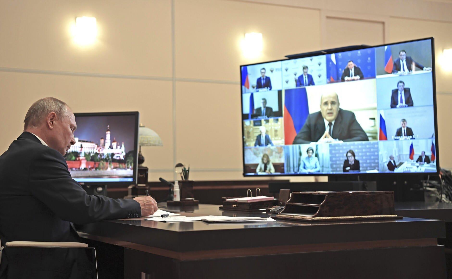 Дмитрий Миронов: нужно реализовать все решения по выплатам населению и бизнесу