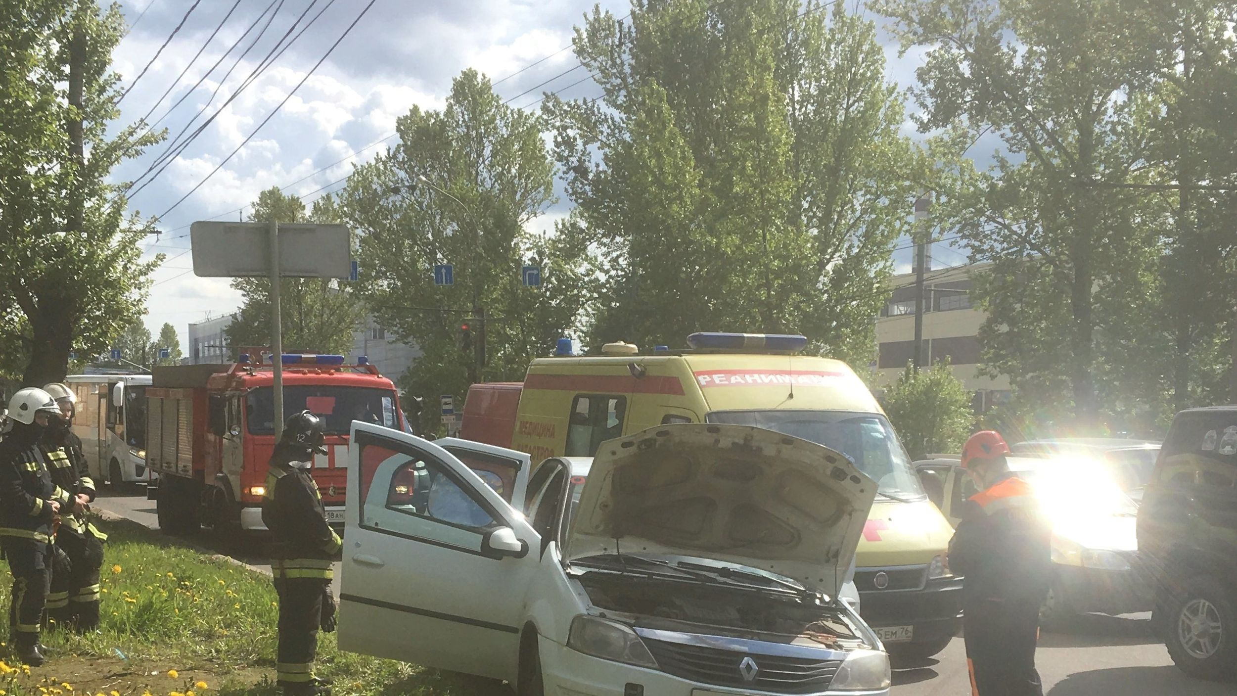 В ДТП на проспекте Октября в Ярославле пострадали мужчина и женщина