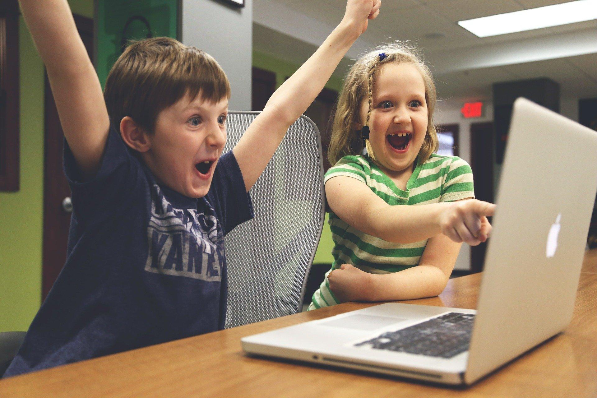 В Банке России рассказали, как защитить детей от кибермошенников