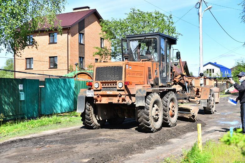 На Перекопе в Ярославле выравнивают дороги в частном секторе