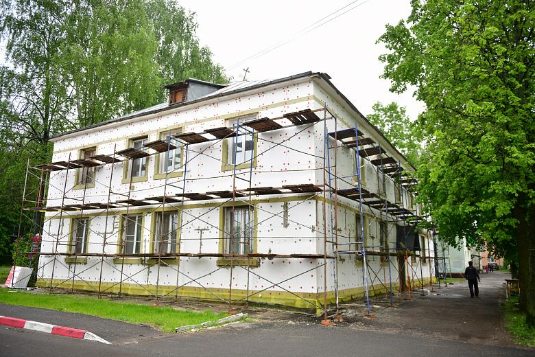 Капремонт без сюрпризов. Более 100 жилых зданий в Ярославской области уже привели в нормативное состояние