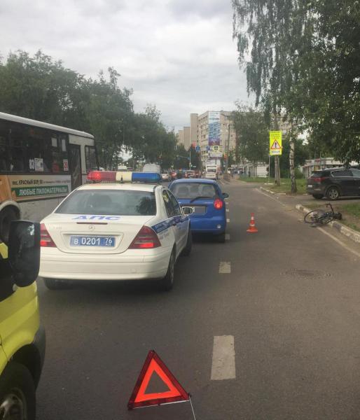 В Ярославле женщина на иномарке сбила велосипедиста