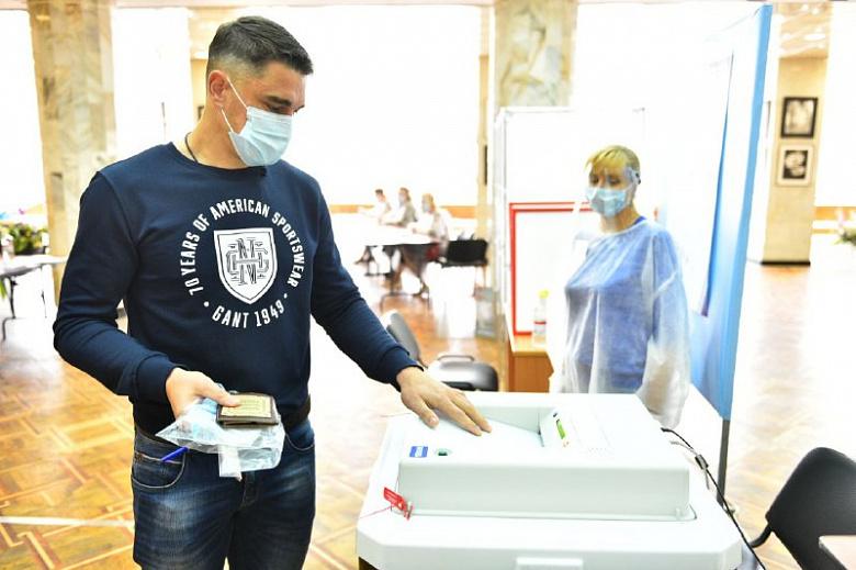 Вратарь «Шинника» Дмитрий Яшин поучаствовал в голосовании по поправкам в Конституцию