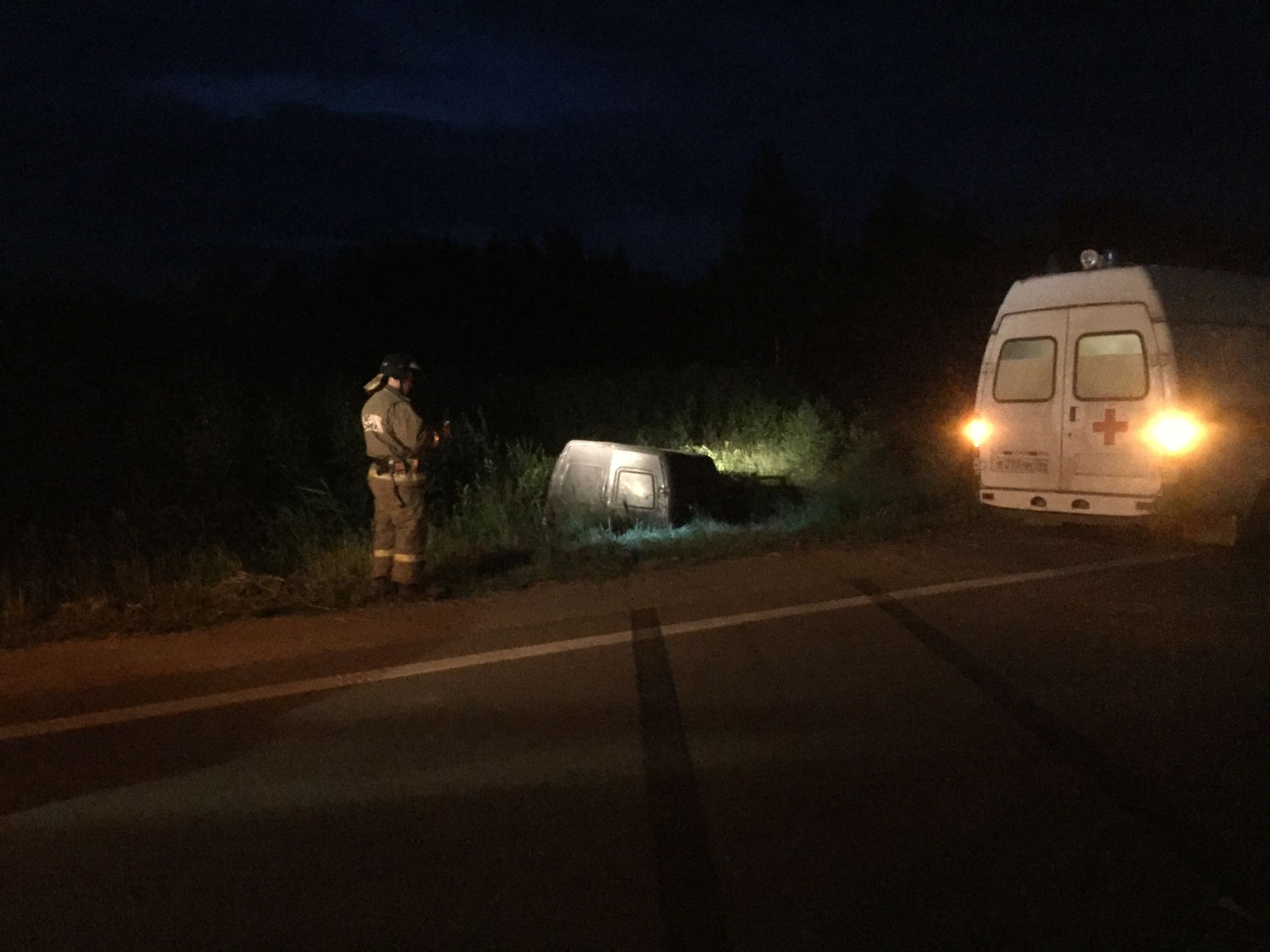 В Ярославской области «Газель» перевернулась в кювет: пострадал водитель