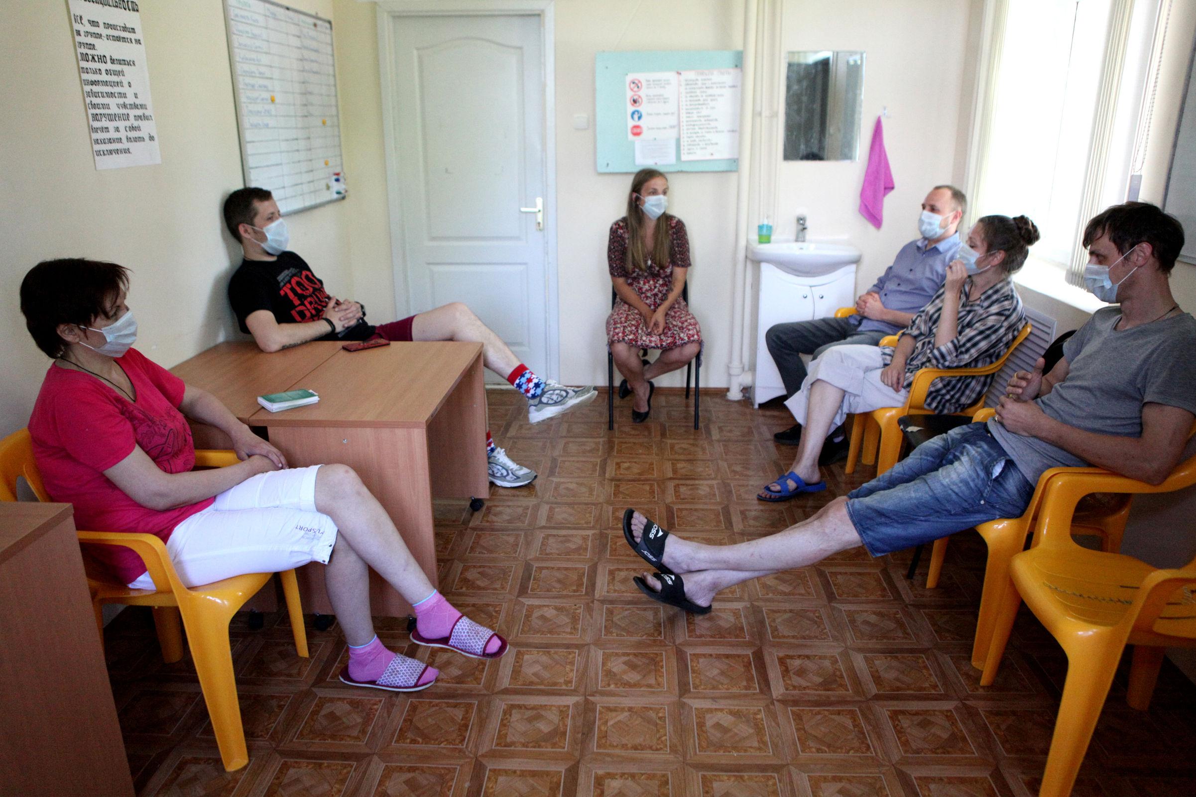 Выйти из штопора. Как реабилитируют ярославцев, у которых есть проблемы с алкоголем или наркотиками