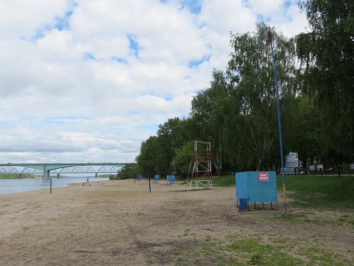 На пляже в Ярославле вытащили из воды тонувшего 13-летнего мальчика