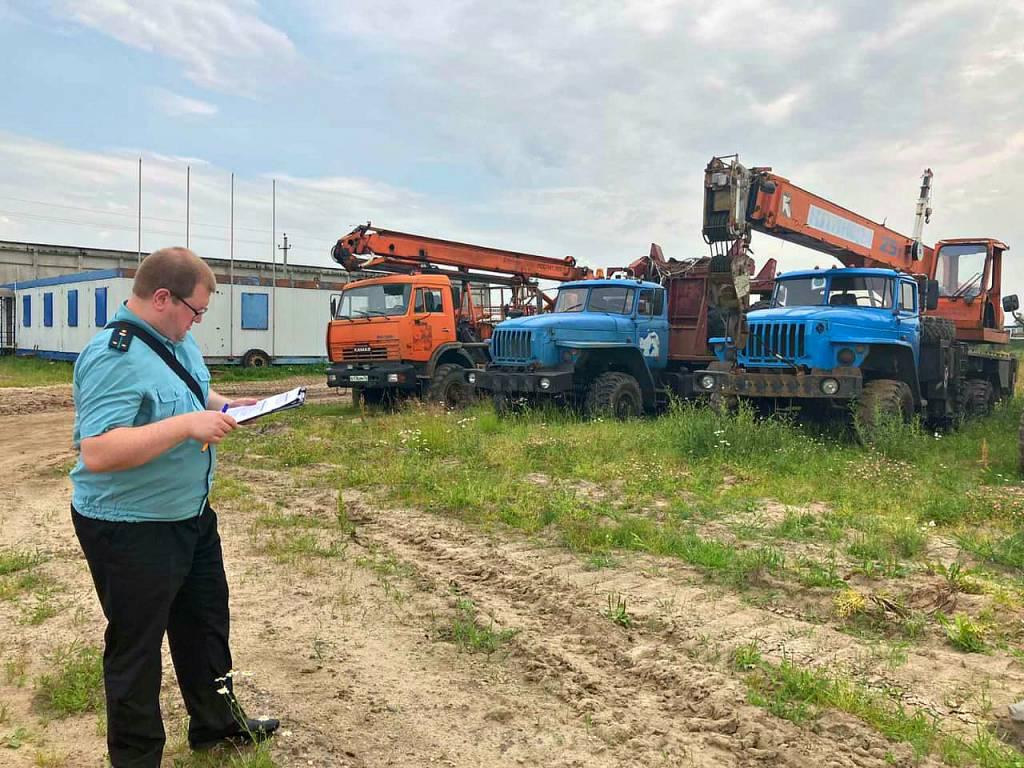 В Ярославле строительная фирма лишилась 15 машин из-за 52-миллионного долга