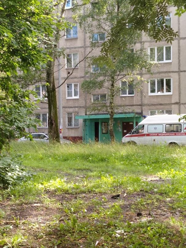 Пьяный водитель в Ярославле перекрыл дорогу карете скорой помощи
