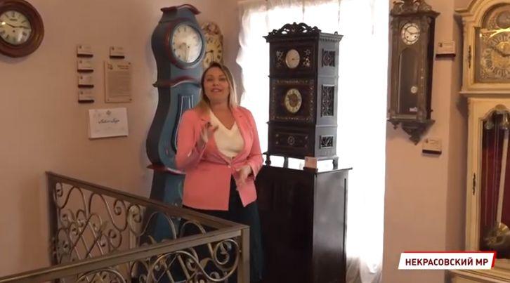 Голубиные, сторожевые и с секретами: в Вятском открылся музей часов «Гостиная времени»