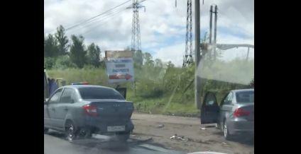 В тройном ДТП на окружной дороге в Ярославле пострадали люди