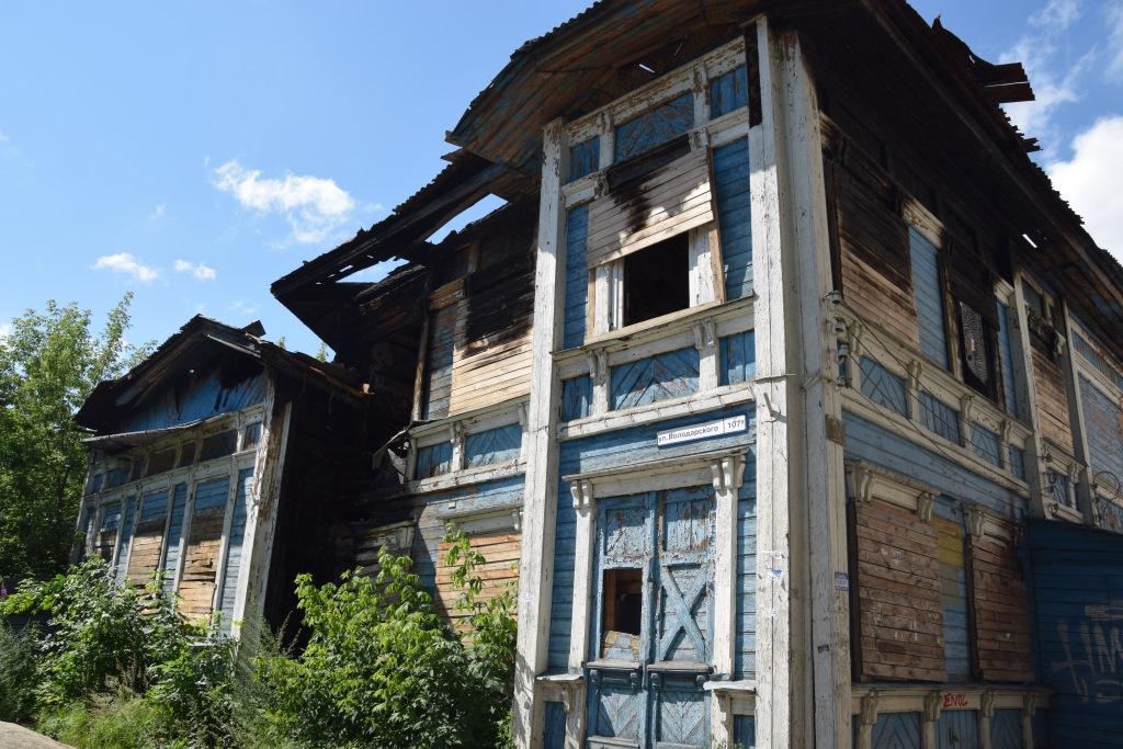 Более миллиона рублей по решениям судов за нарушения закона заплатят собственники зданий-памятников