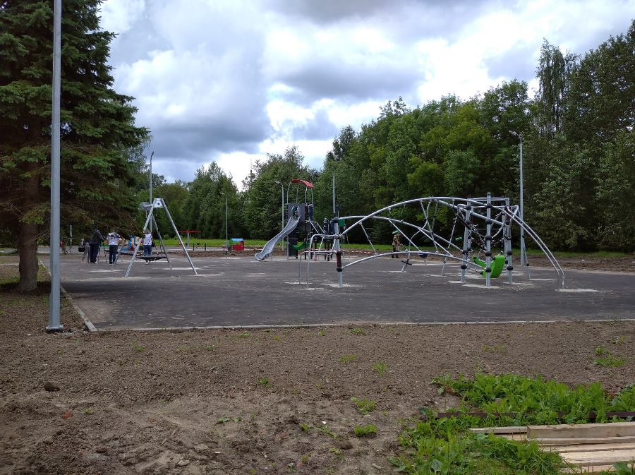 В микрорайоне Переборы в Рыбинске завершается благоустройство парка