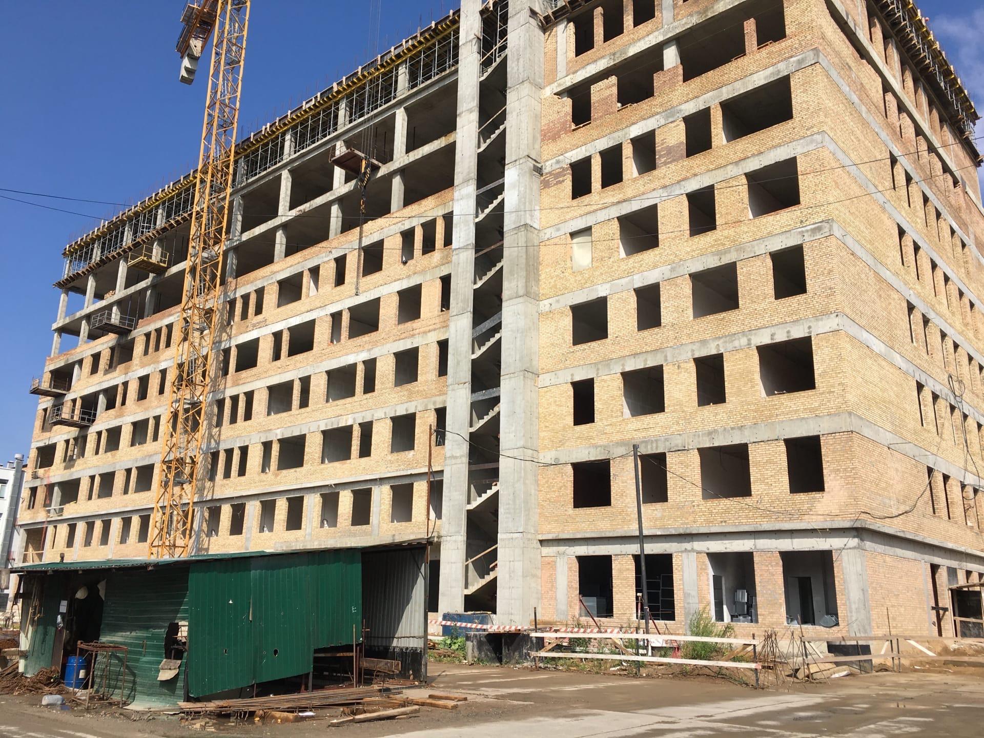 Завершается строительство коробки здания хирургического корпуса ярославской областной онкобольницы