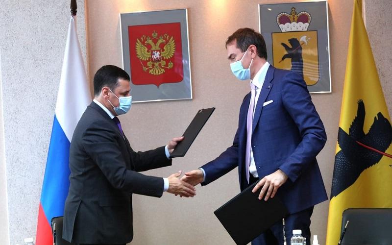 Дмитрий Миронов: 600 комплектов для подключения к школьной цифровой платформе передадут в районы области