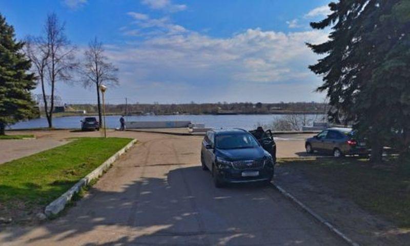 В Ярославле задержали мужчину, который перерезал горло пенсионеру на набережной