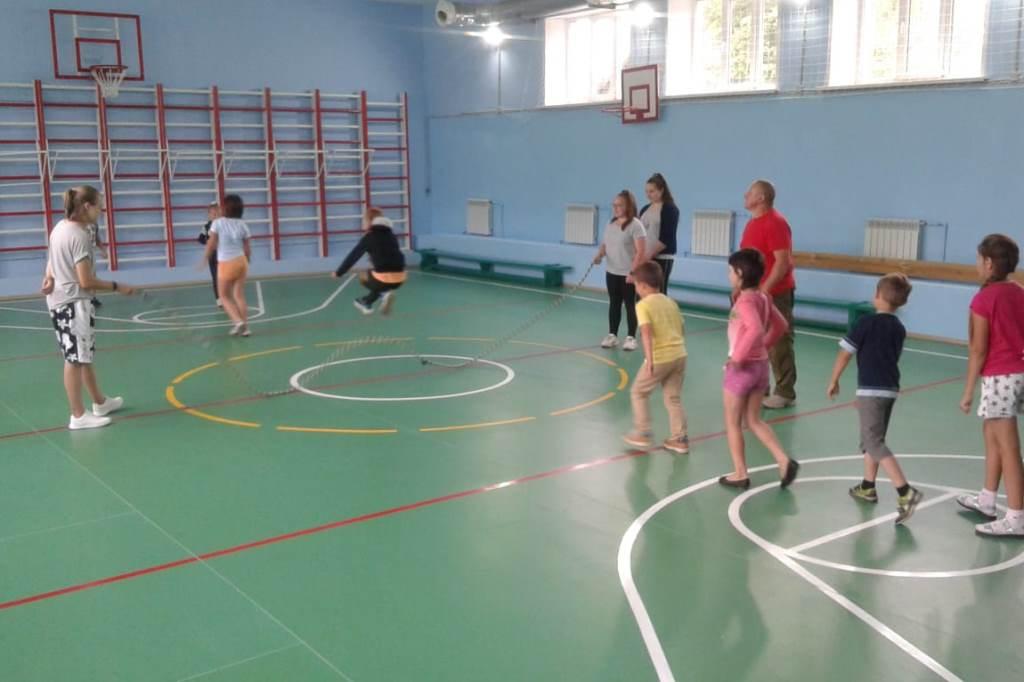 Спортивные залы отремонтируют в 16 сельских школах Ярославской области