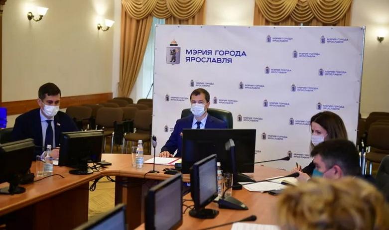 Мэр Ярославля досрочно вышел из отпуска