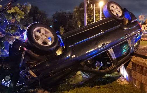 В Ярославле в ночном ДТП пострадали двое мужчин