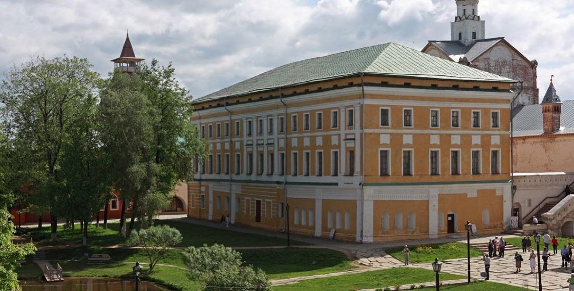 Секреты Самуилова корпуса. В Ярославской области вскоре начнется реставрация Митрополичьих хором