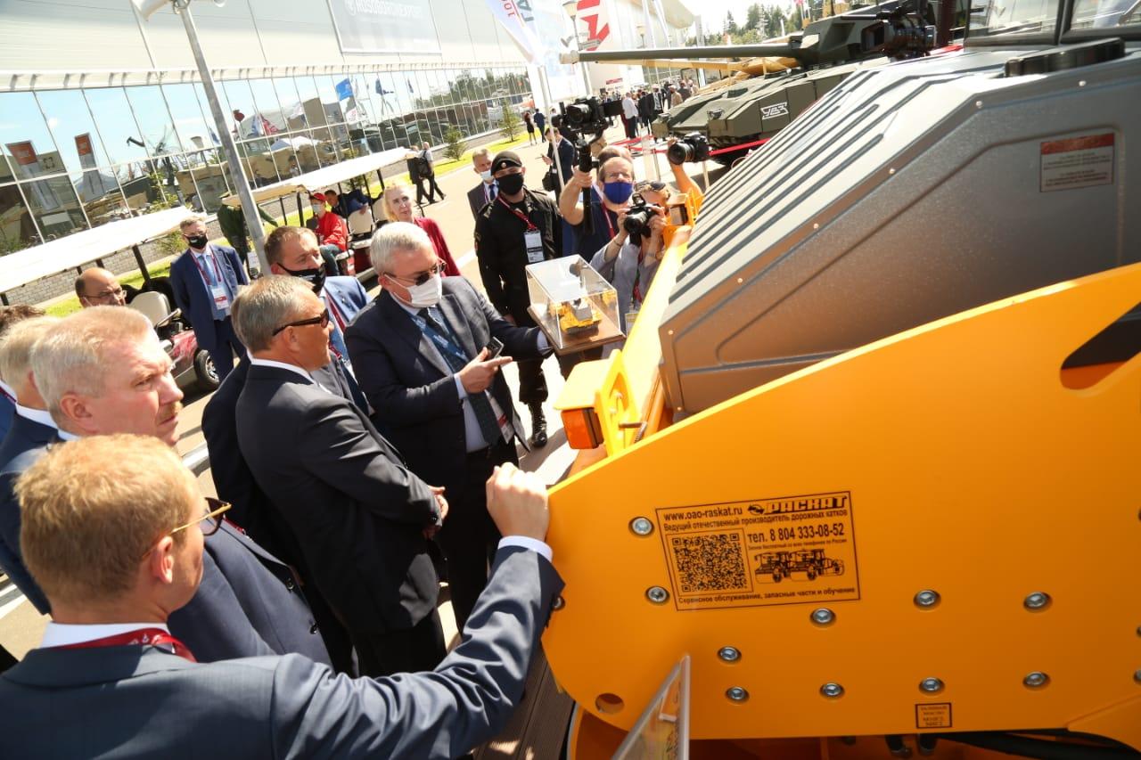 Ярославские суда, двигатели и техника представлены на форуме «Армия-2020»