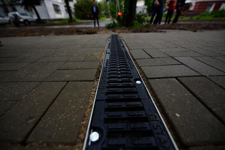 Подрядчик должен за неделю исправить недочеты на улице Максимова в центре Ярославля