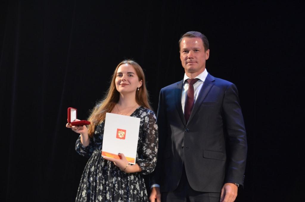 Волонтеров Ярославской области наградили президентскими медалями