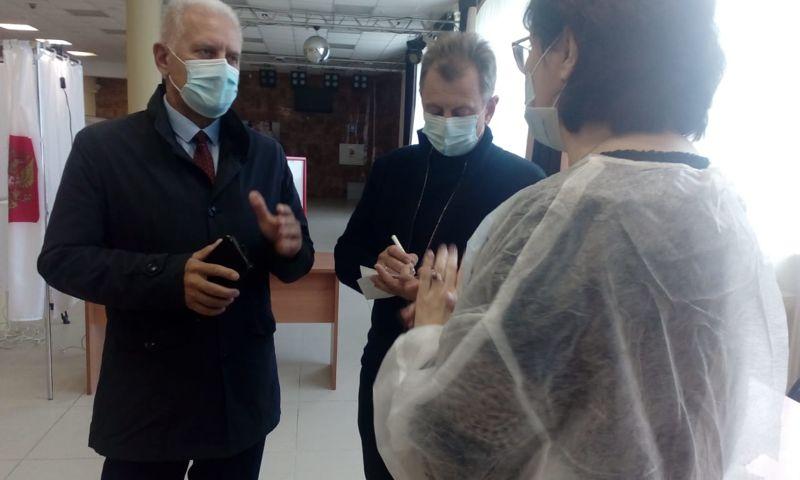 Сергей Бабуркин проверил, как проходит голосование в Ярославской области