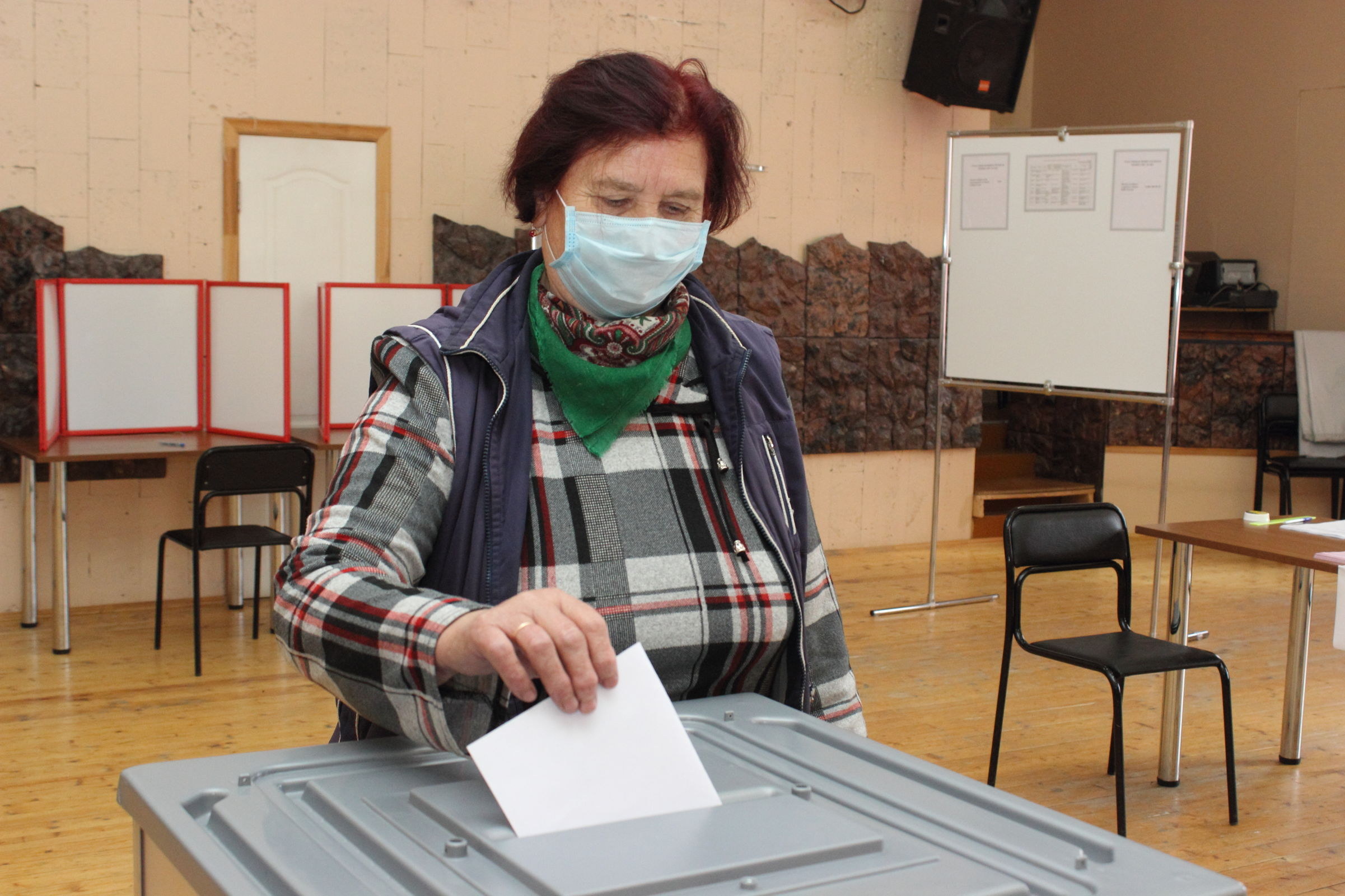 В Ярославской области явка на избирательные участки составила 13,68%