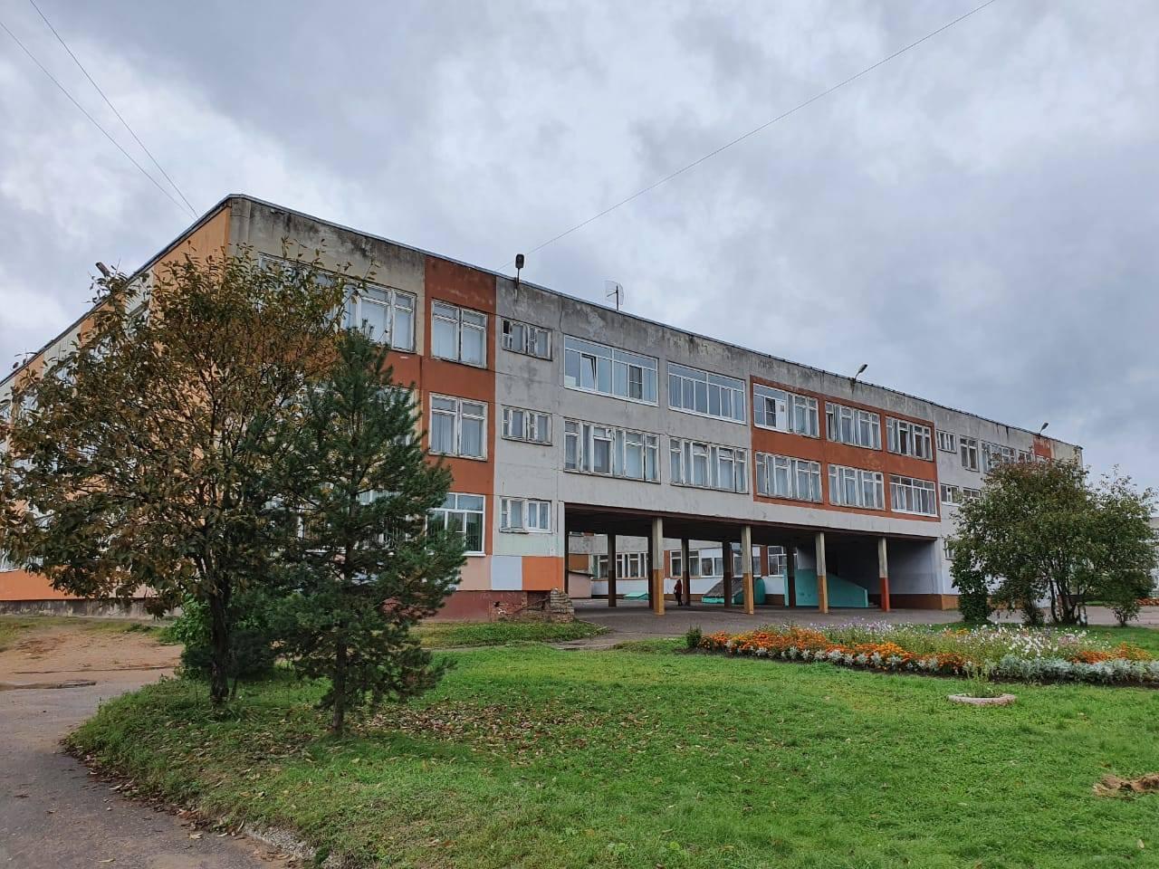 Роман Колесов проверил работу избирательного участка