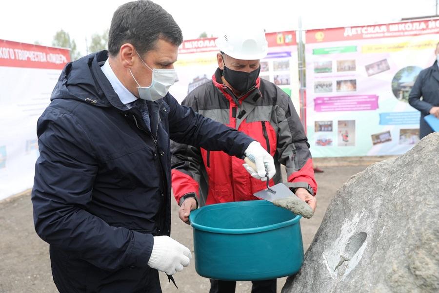 Дмитрий Миронов заложил капсулу на месте строительства центра развития детского творчества