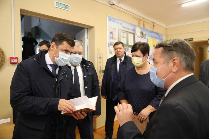 Дмитрий Миронов с рабочей поездкой посетил Гаврилов-Ямский район