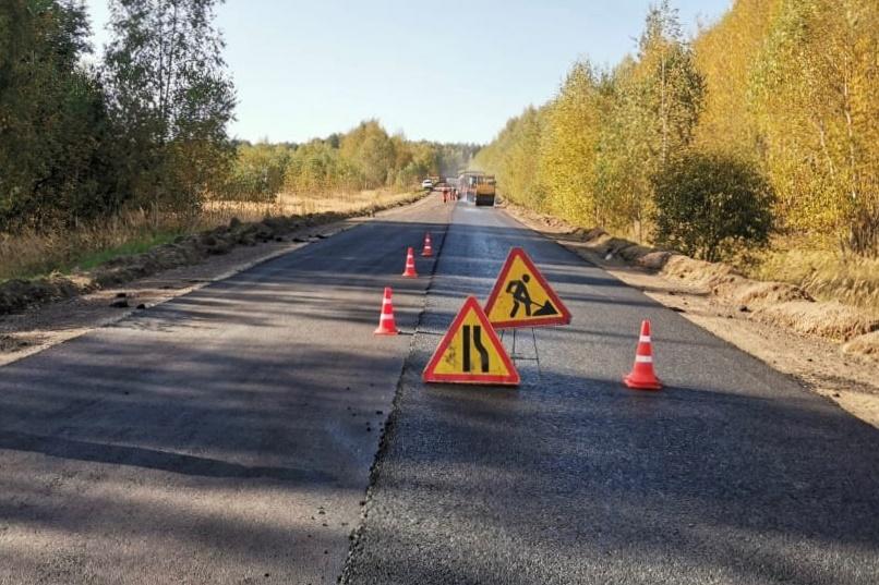 Началась укладка асфальта на автодороге Петровское – Караш – Захарово
