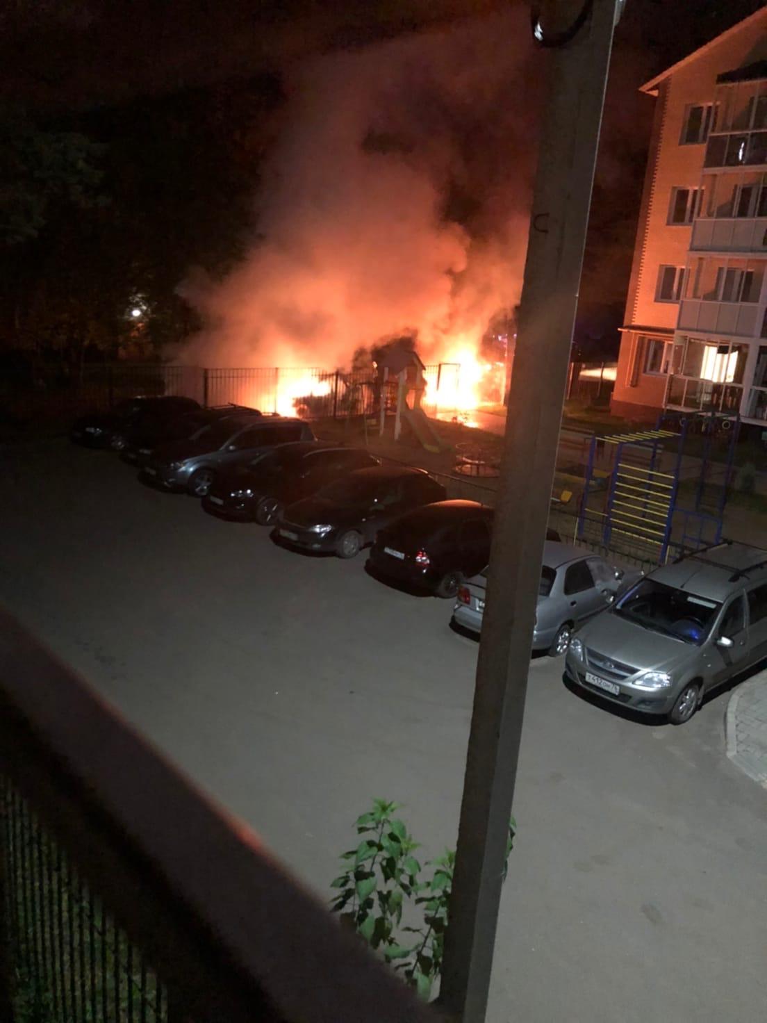 В Ярославле снова подожгли машины