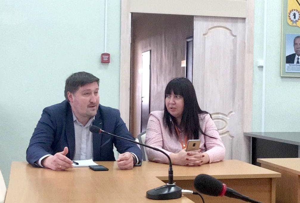 Технологию ликвидации кислогудронных прудов НПЗ имени Менделеева обсудили на общественных слушаниях