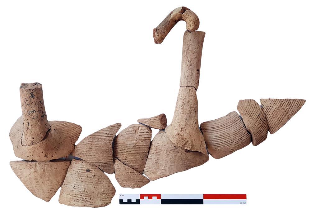 Археологи обнаружили в центре Ярославля средневековую деревянную постройку и другие артефакты