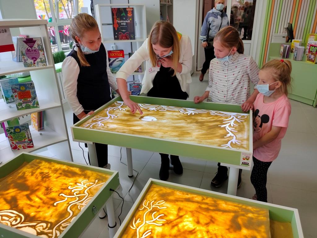 В Ярославле и Угличе открылись первые модельные библиотеки