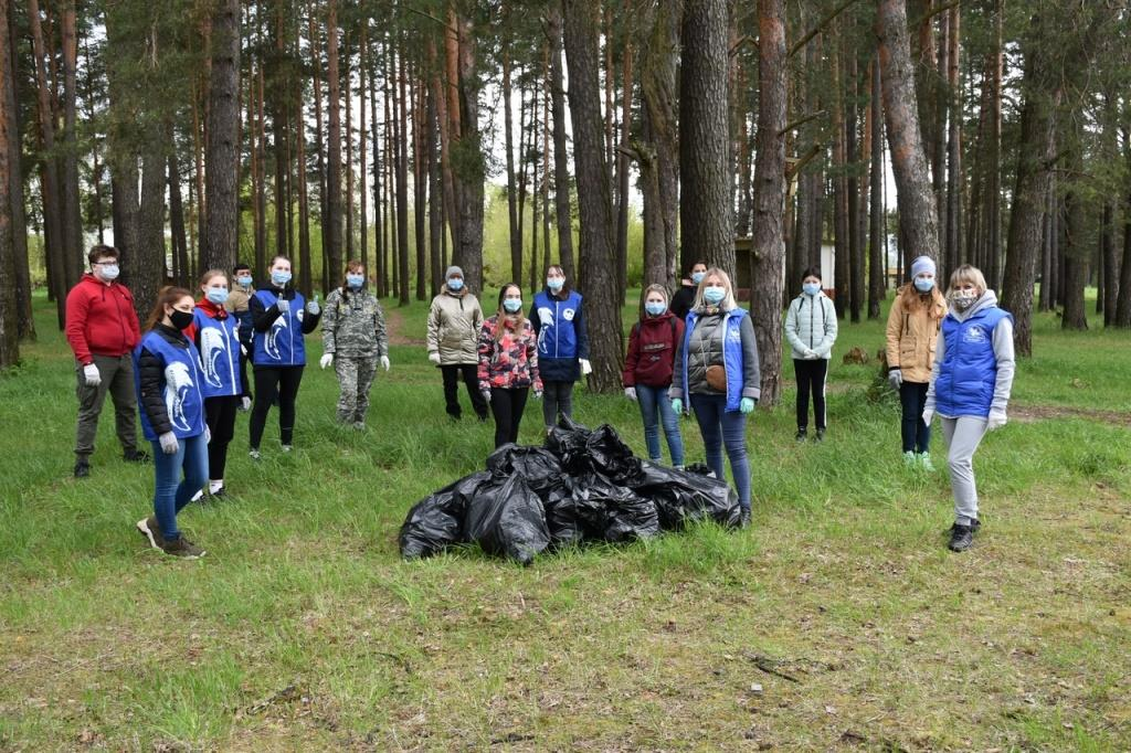 Более 850 кубометров мусора убрали с территории лесного фонда Ярославской области