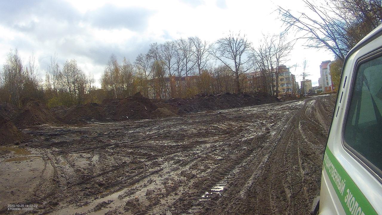 По фактам размещения строительных отходов и грунта у Тутаевского шоссе проводится проверка