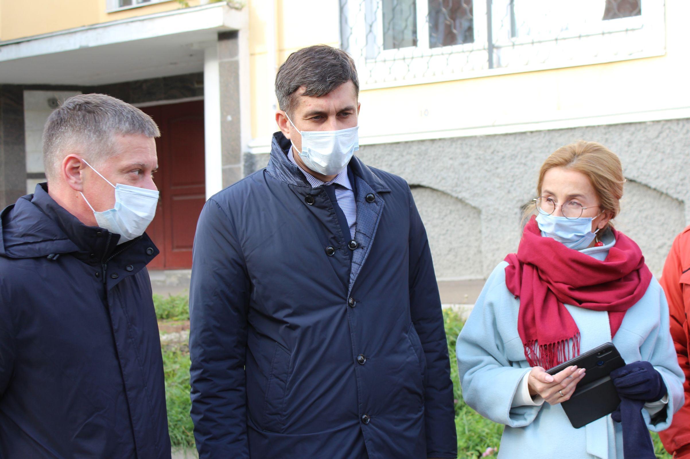 В Ярославле подрядчик устраняет недостатки на дорогах, отремонтированных по программе БКАД