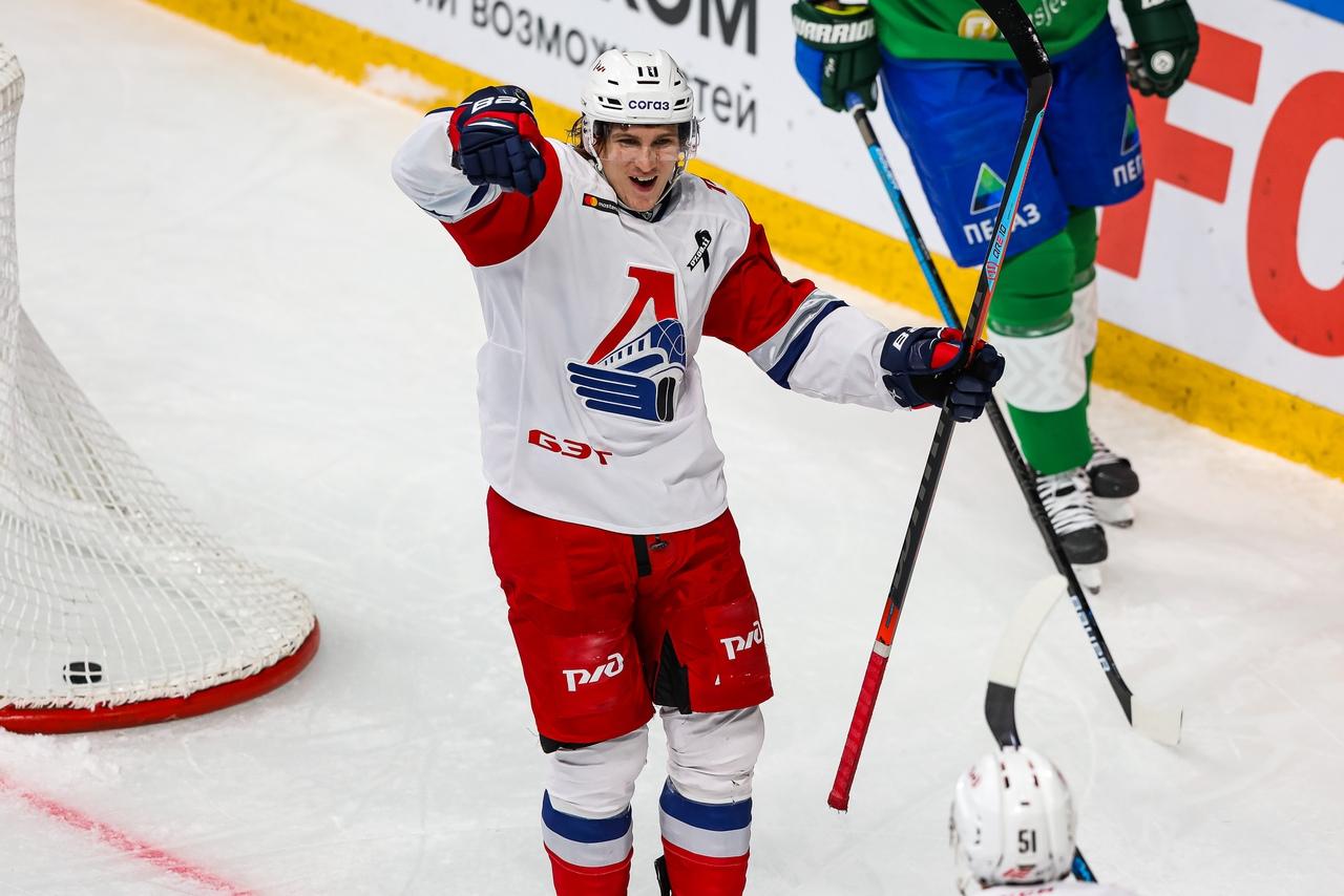 «Локомотив» на выезде разгромил «Салават Юлаев», одержав девятую победу подряд