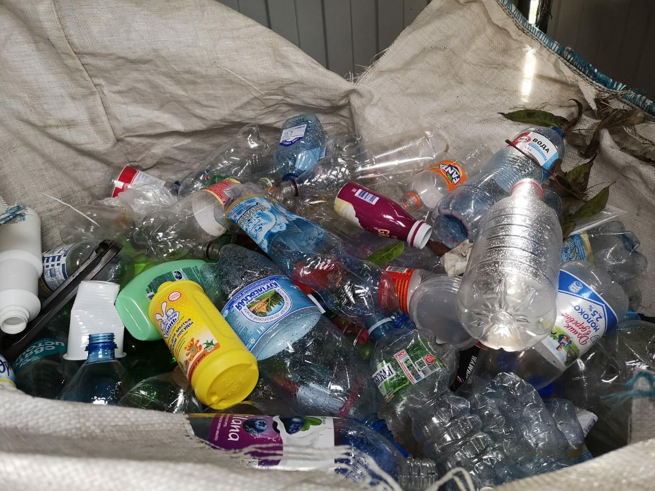 Более 1800 тонн вторсырья и опасных отходов отправилось в переработку с начала года