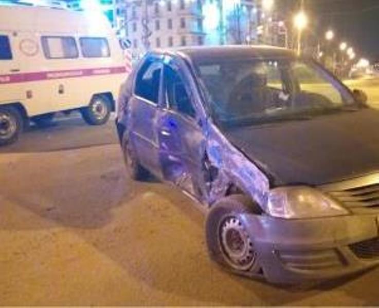В Ярославле в ДТП попала карета скорой помощи с беременной женщиной