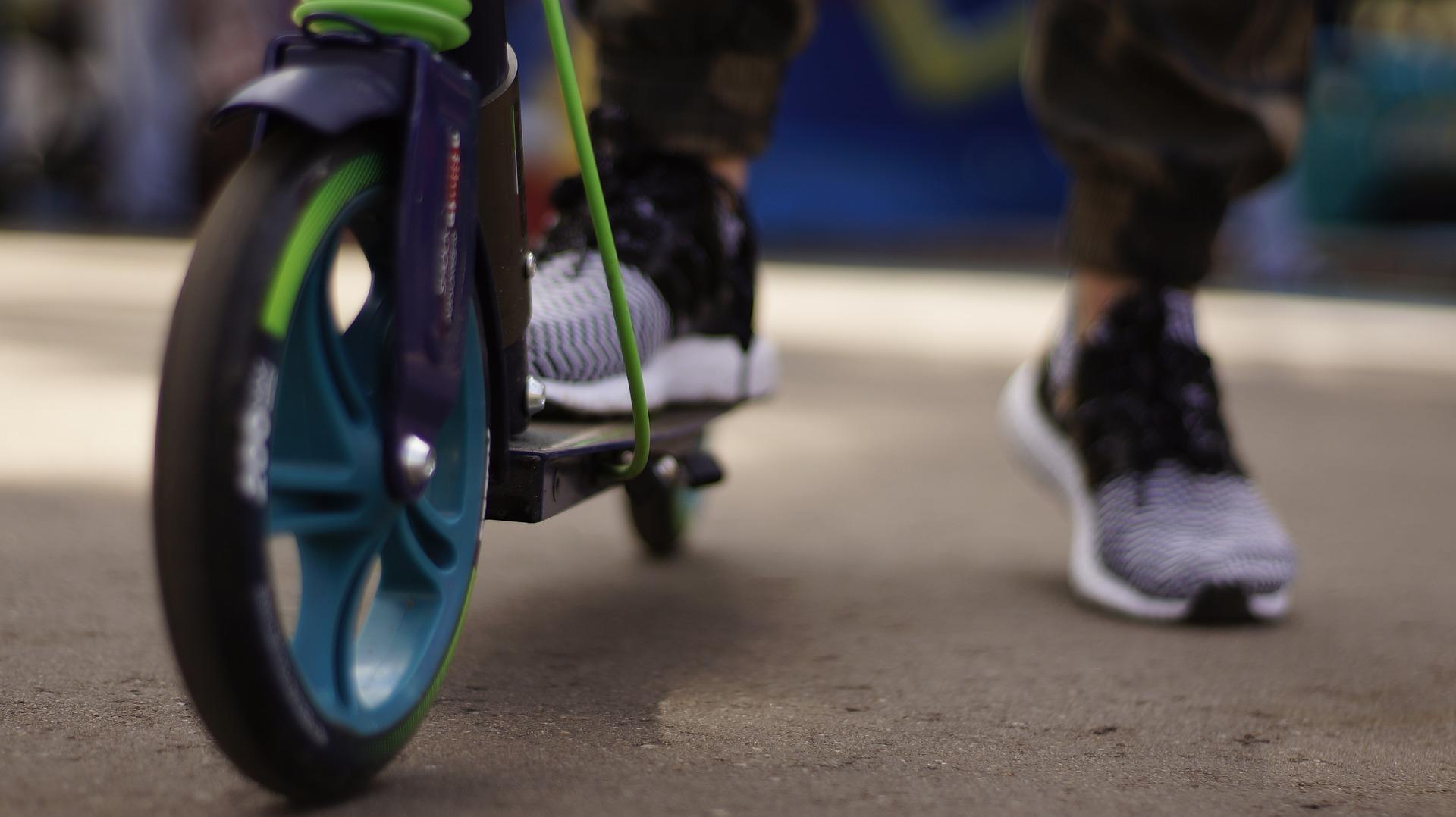 На Московском проспекте в Ярославле сбили мальчика на самокате