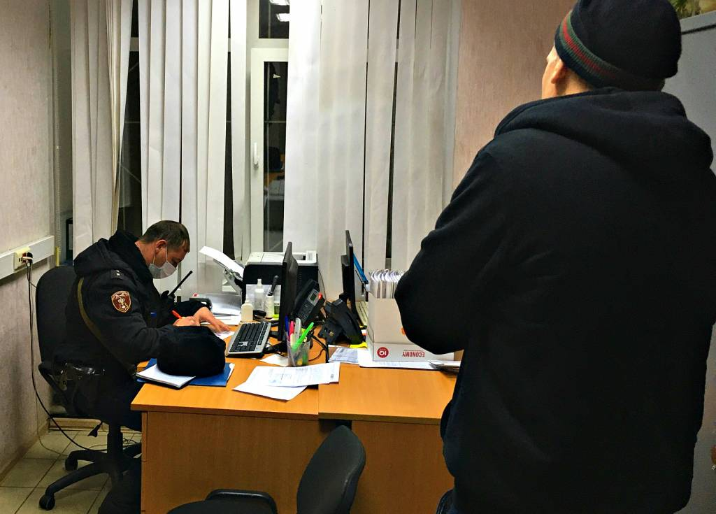 В Ярославской области судебный пристав поймал алиментщика, притворившись покупателем детских вещей