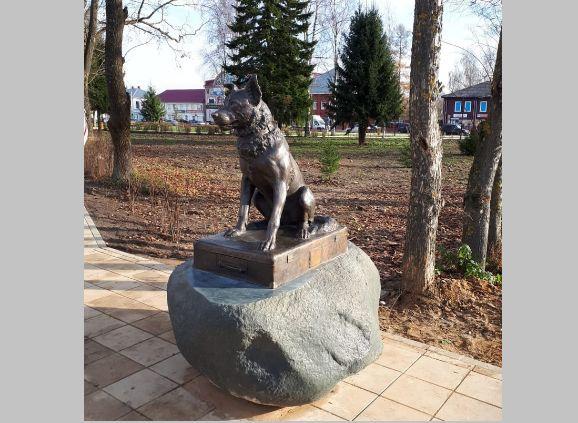 Трезор из Данилова. В центре города открыт уникальный памятник бездомной собаке