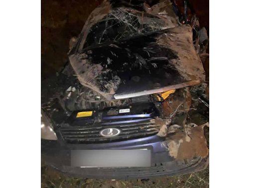 При столкновении легковушек на трассе в Ярославской области пострадал один из водителей