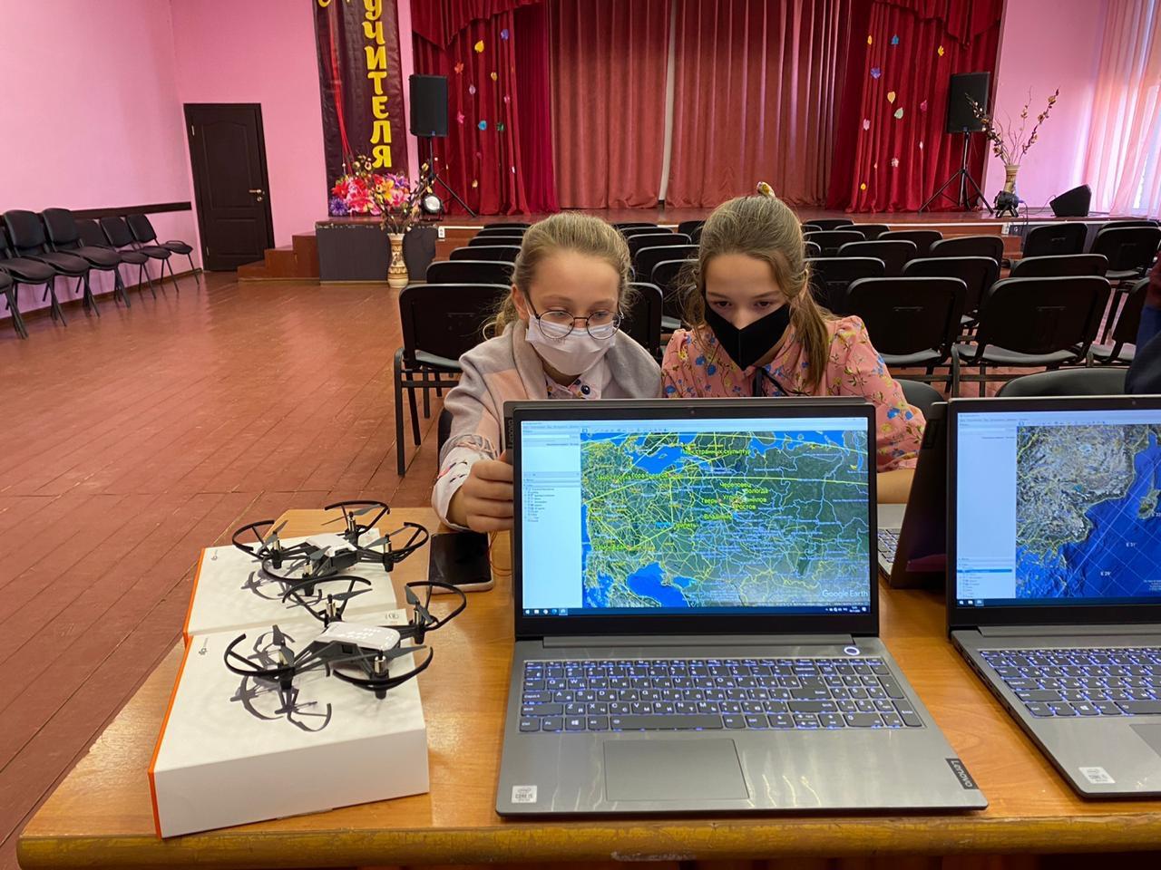 Мобильный «Кванториум» сделал первую остановку в Некрасовском районе