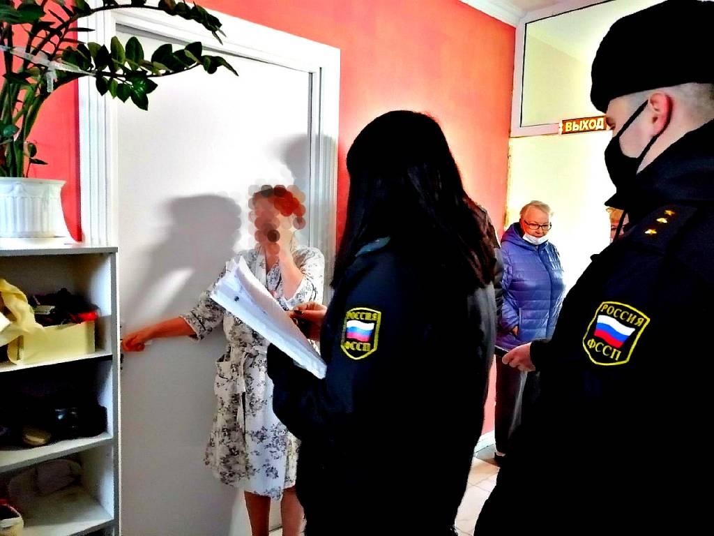 В Ярославле мама с сыном захватили площадку и чердак в многоэтажном доме