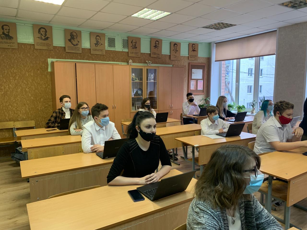 В ярославских маршрутках показывают ролики, которые учат людей грамотно писать и говорить