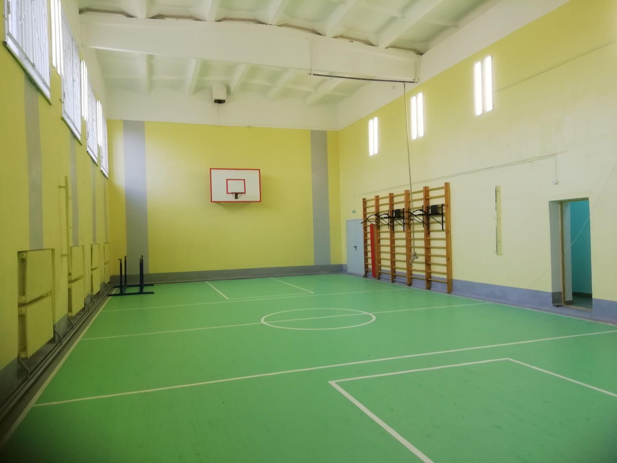 Закончен ремонт спортивных залов в сельских школах области